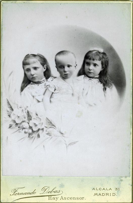 Alfonso XII with his sisters Maria Teresa and Maria de las Mercedes.