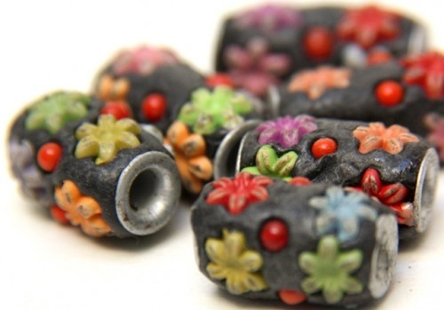 Pretty resin beads by catfluff on Artfire