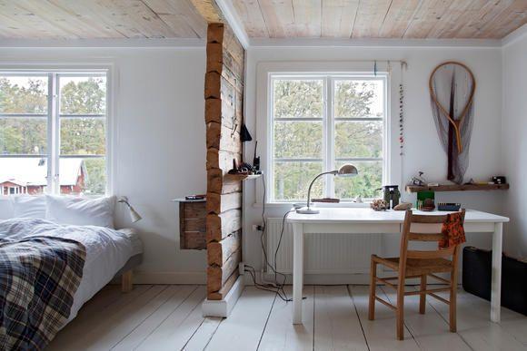 Trennwand aus Holz im Schlafzimmer