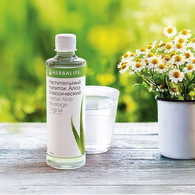 Ежедневный #стакан_воды с Растительным напитком Алоэ #утром #натощак способствует улучшению пищеварения, выводит #шлаки и #токсины и оказывает смягчающее и #успокаивающее_действие.