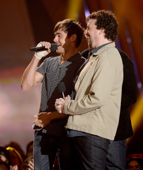 Zac Efron & Danny Mcbride presenting at the MTV Movie Awards 2013