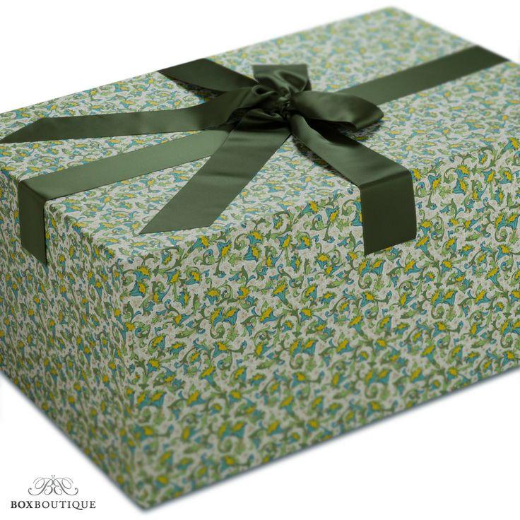 #Brautkleidbox Lemons im extravaganten gelb-grünen Design // Wedding dress box Lemons in an extravagant yellow-green design www.boxboutique.de  #Brautkleid #aufbewahren