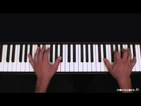 ▶ Sia - Chandelier - Partition Piano version - Karaoke / backing track / Sheetmusic - YouTube