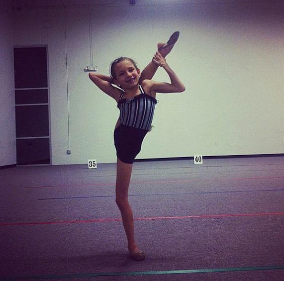 Jenna Valenzuela | Dance | Pinterest | Flexibility Dancing and Dancers