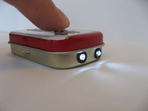 What a cool STEM project - build a flashlight in a mini-Altoids tin!