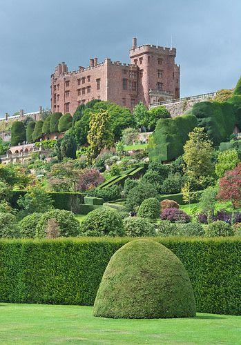 Powis Castle . Wales
