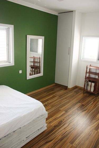 boys room green