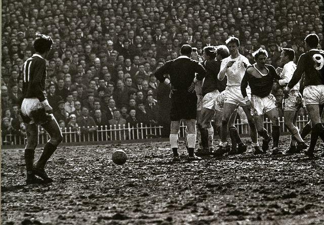 Man Cave Leeds : Best vintage manchester united football memorabilia
