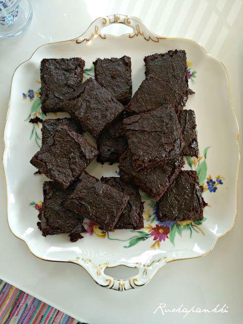 Ruokapankki: Viljaton, maidoton ja munaton suklaakakku #ruokapankki #gluteeniton #ruokablogi #suklaakakku