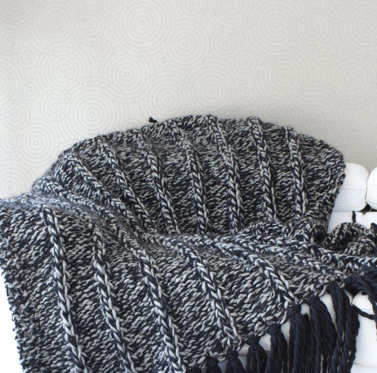 17 meilleures id es propos de jet de lit sur pinterest rideaux de lit d cor de chambre. Black Bedroom Furniture Sets. Home Design Ideas