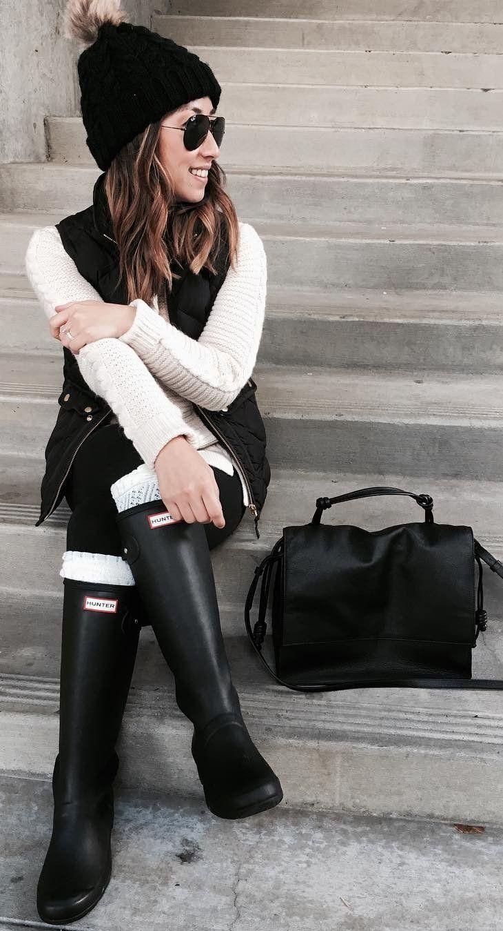 #winter #fashion /  Black Beanie + White Knit