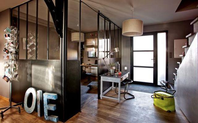 Cloisonner un espace sans perdre de lumi re verri re for Verriere style loft