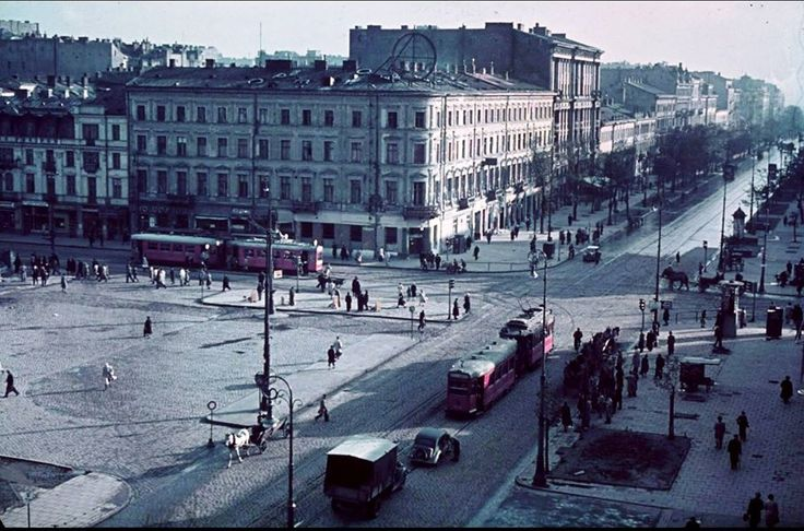Skrzyżowanie Marszałkowskiej z Alejami Jerozolimskimi 1939 lub 1941