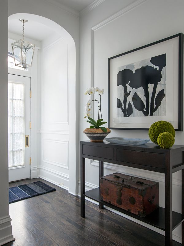 Great entryway with an even greater Donald Baechler print as a focal point.