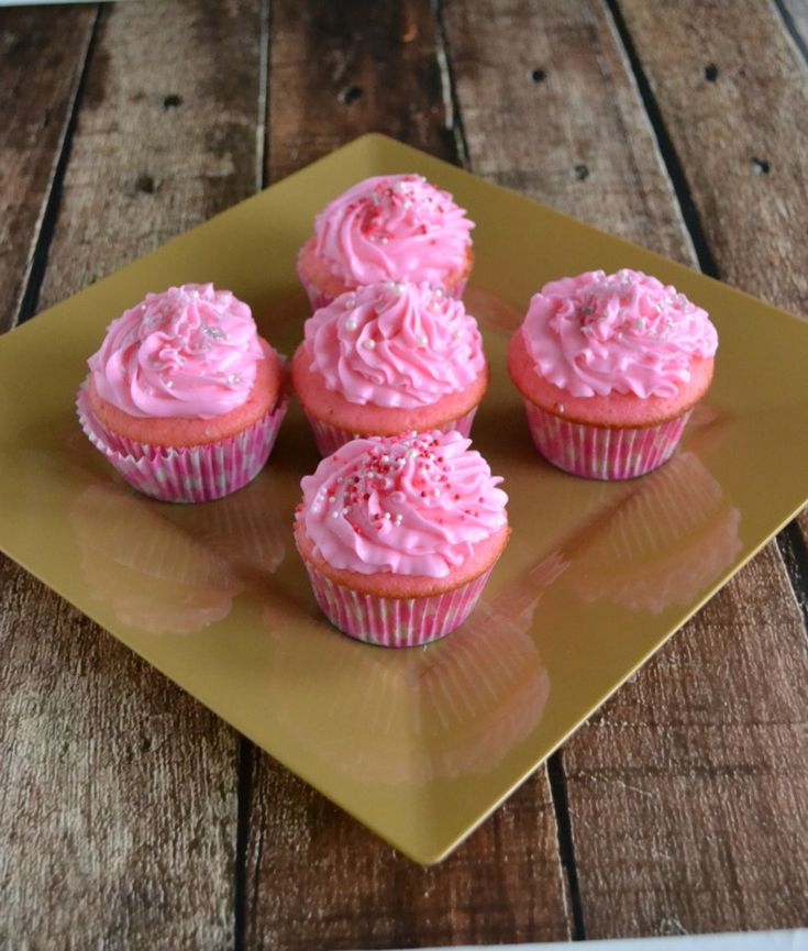 Pink Champagne Cupcakes with Pink Champagne Buttercream Frosting is the perfect pair {recipe}