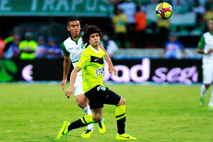Atlético Nacional derrotó al Deportivo Cali y se coronó Campeón del fútbol colombiano Ambos clubes están asegurados en la Copa Libertadores de América de 2014. Nacional, que llegó a la estrella 13, también jugará la Sudamericana como Campeón de Copa Postobón.