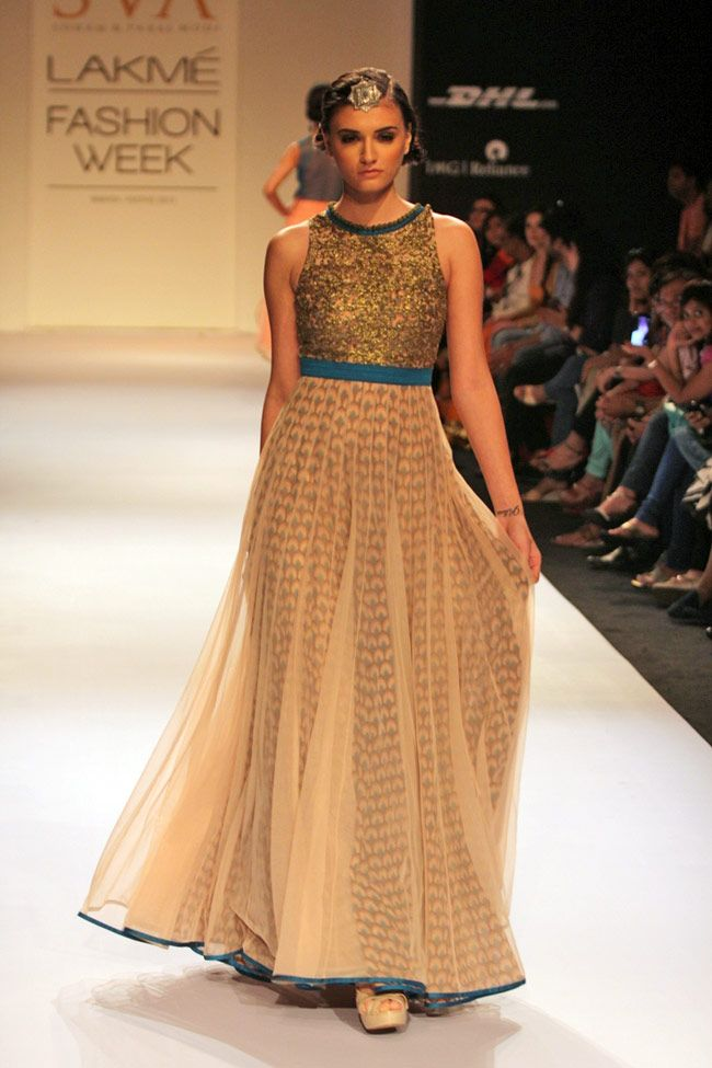 Sonam and Paras Modi's https://www.facebook.com/SonamMModi collection at Lakme Fashion Week, Winter-Festive 2013 was an amalgamation of bright and earthy colours.