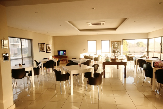 Dining at Esprit.     http://www.eahs.co.za/establishments/villa