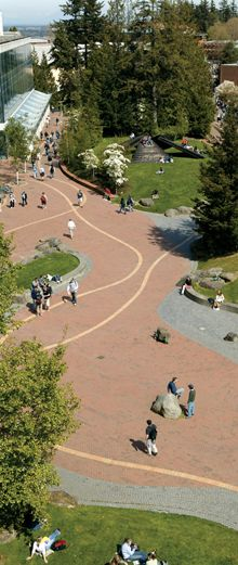 Western Washington University - offers 160+ academic programs. 21:1 student to faculty ratio. 15,000 students. Picture: Bird's eye view of Haskell Plaza
