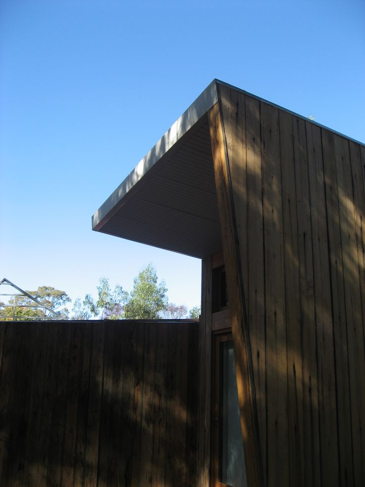 2.0m roof overhang facing North