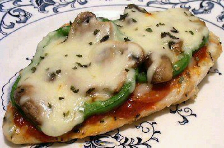 Pizza chicken--PIZZA CHICKEN (low carb!)   1 boneless chicken breast, pounded flat if thick  Salt, pepper, garlic powder and Italian seasoning, to taste  1 tablespoon pizza sauce  4 slices pepperoni  1 teaspoon butter or oil  2 fresh mushrooms, sliced  2 thin green pepper rings  1 ounce mozzarella cheese, shredded