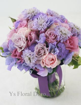 紫の花柄のドレスに合わせる紫のクラッチブーケ @ウェスティンホテル東京 ys floral deco