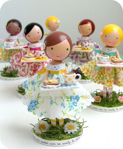 peg dolls tea party...I hope my son gives me a granddaughter someday!
