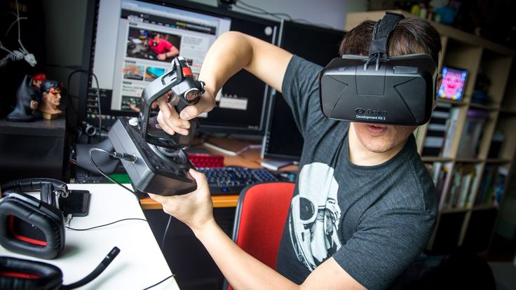 Tested Takes the Video Game 'Elite: Dangerous' for a Spin on the Oculus Rift DK2 Virtual Reality Headset