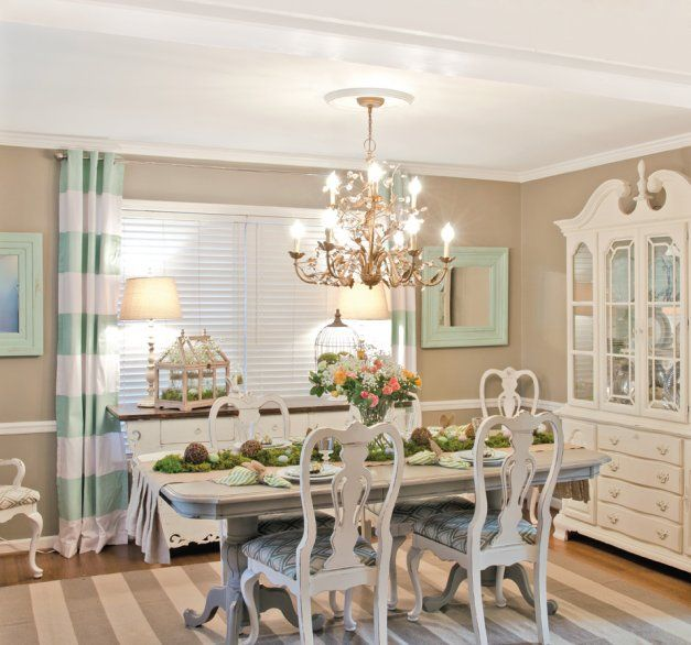 In The Dining Room Caitlyn Chose A Relaxing Cottage Style Palette Of Creamy Ivory And Robins Egg Blue
