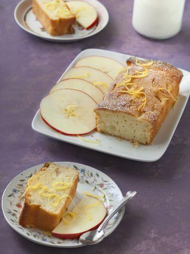 Recette de Cake frais aux pommes et au citron