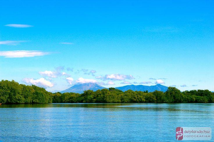 Río Telica #Poneloya #Leon #Nicaragua de fondo la Reserva Natural Complejo Volcánico San Cristóbal - Casita #fotografia de #delpilarsanchez
