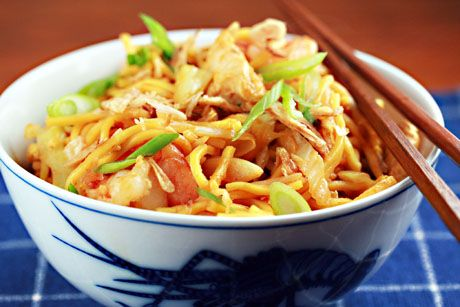 Chinese Egg Noodles -Recipe: mee goreng http://www.theperfectpantry.com/2009/03/chinese-egg-noodles-mee-goreng.html