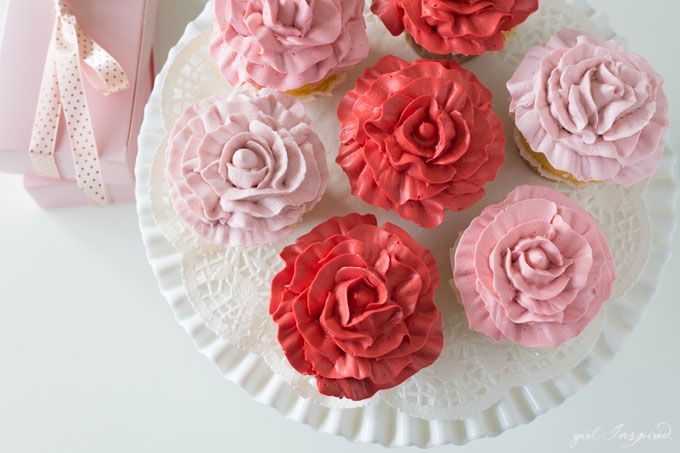 Rose Cupcakes + Video Tutorial