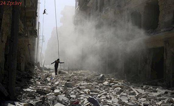 Nejméně 43 lidí zemřelo v pumovém útoku na severu Sýrie, bomba byla i v autě