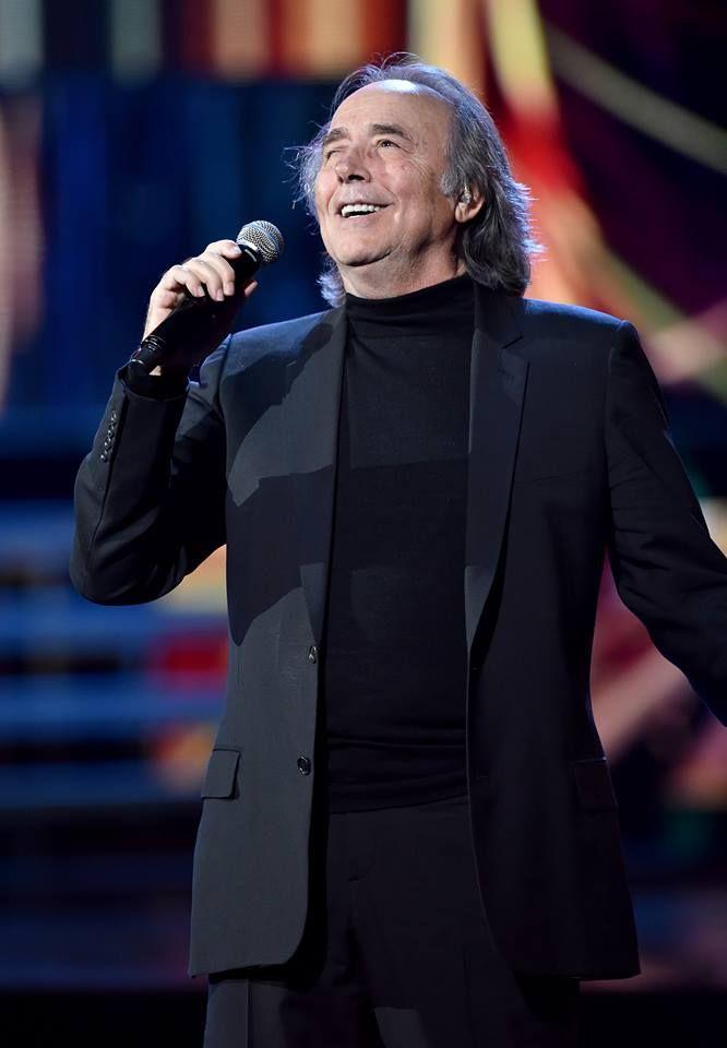 Joan Manuel Serrat en plena actuación.