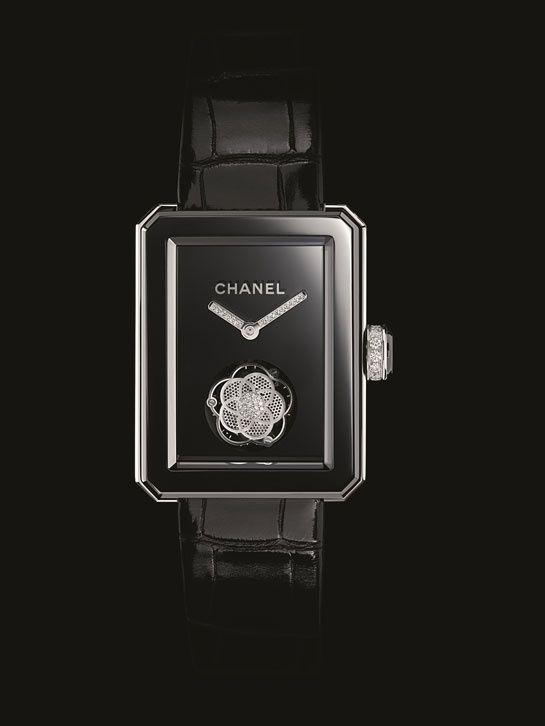 Horlogerie: montre Chanel Première x Only Watch 2013  http://www.vogue.fr/joaillerie/a-voir/diaporama/horlogerie-only-watch-2013-vente-caritative-monaco-montres-roger-dubuis-van-cleef-arpels-piaget-chanel/15456/image/854692