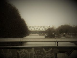 Runometsä: Kaakkois-Berliiniä kameran kanssa