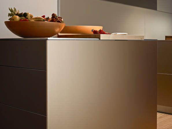 Sand-beige aluminum #bulthaup #kitchen