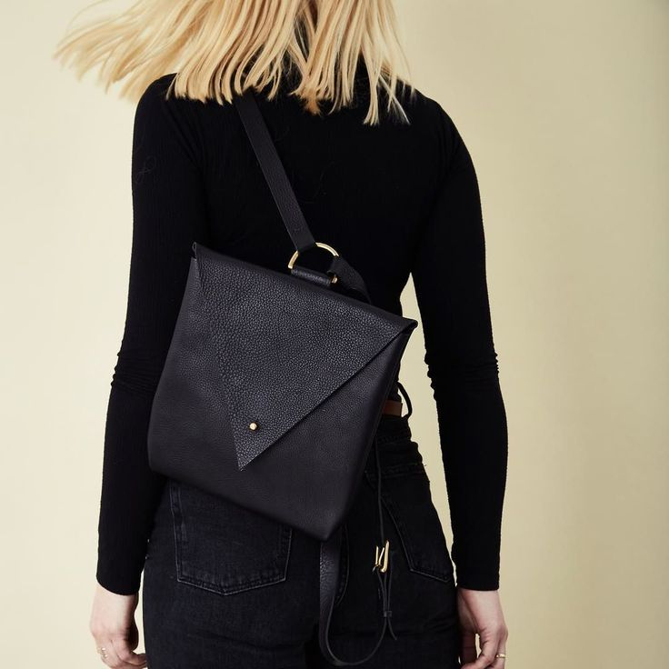 Well hello Friday! We're swinging into the weekend with gusto and can't wait to see all you East London lovers @broadwaymarket tomorrow. Our lightweight and handy sized  Drifter Backpack will be there - hope to see you too! #broadwaymarket #londonmarkets #eastlondonstyle #londonfashion #carv