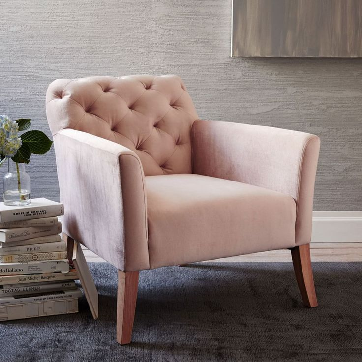 Lustre velvet armchair in blush pink - the colour of the winter season. Both feminine and stylish!