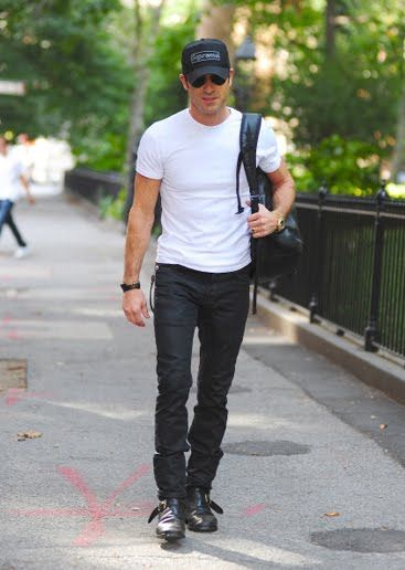 10 Easy Ways to Channel Justin Theroux's Badass-Biker Style