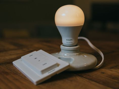 Everything you need to know about the Philips Hue Wireless Dimming Kit, including impressions and analysis, photos, video, release date, prices, specs, and predictions from CNET.