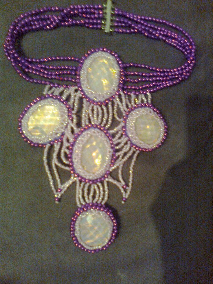 ružovofialový náhrdelník