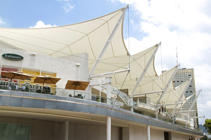 Plaza Las Am 233 Ricas Welcomes Shoppers With Tensile Roofing