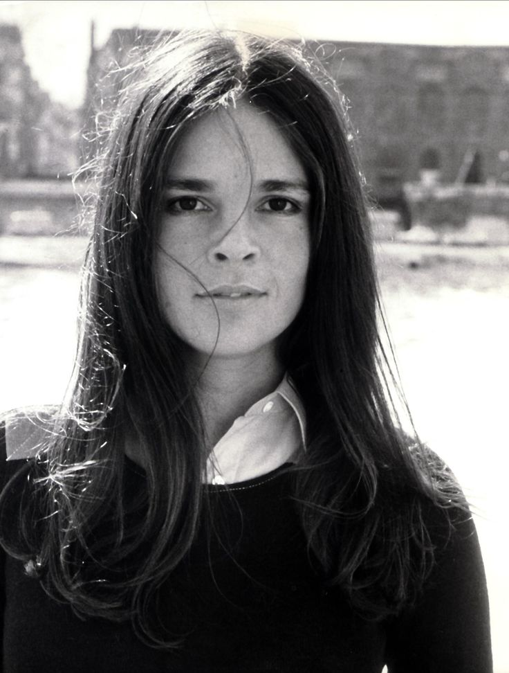 Ali MacGraw- so pretty