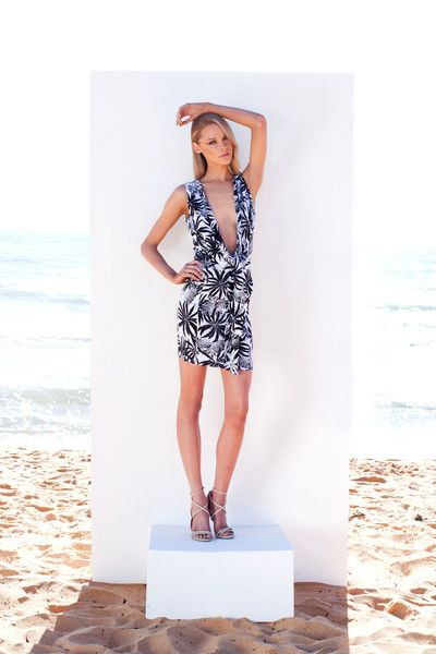 http://www.winonaaustralia.com/products/w02dr15-island-holiday-reversible-dress