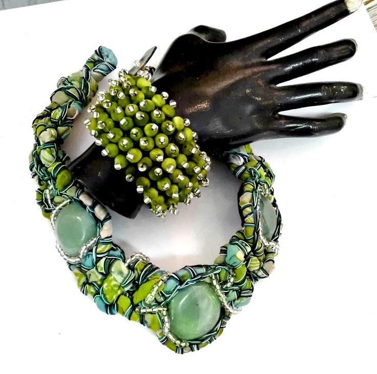 Gemstones framed in crocheted silk wooden beads sea urshin bracelet
