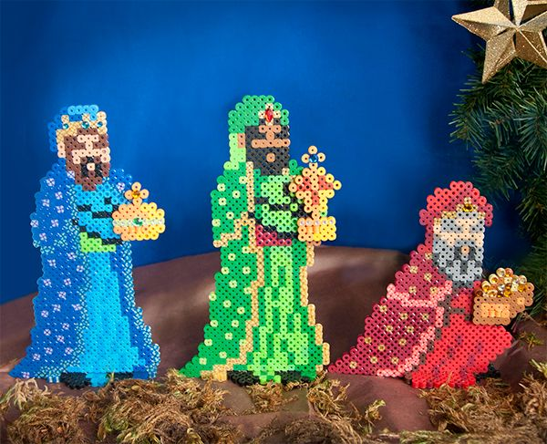 Create the Three Wise Men from the biblical Christmas story—Balthazar, Caspar, and Melchior—bearing gifts of myrrh, frankincense, and gold to the newborn King. The easy assembly enables these figures to stand upright to decorate a mantel or tabletop.