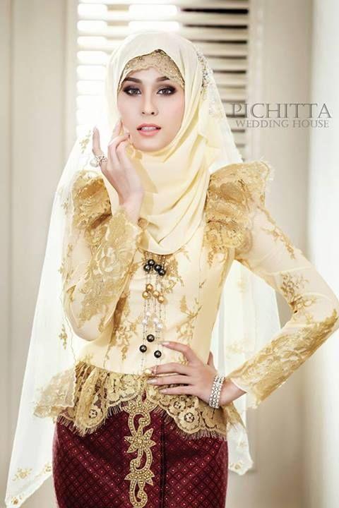 Thai actress in Thai - Muslim wedding dress