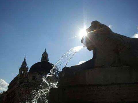 Piazza del Popolo- Fontana Leoni